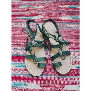 Madden Girl Olive Snakeskin Tassle Sandal Sz 7.5